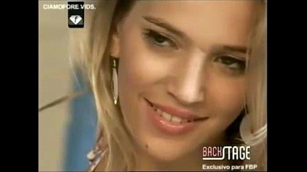 Luisana Lopilato & Zaira Nara Deftones - Beauty school