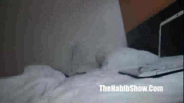 my wifey on camera she loves slobbin on the dick