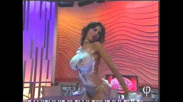 Alejandra Maderos dancing