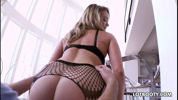 Phat booty beautyful blonde lass Mia Malkova