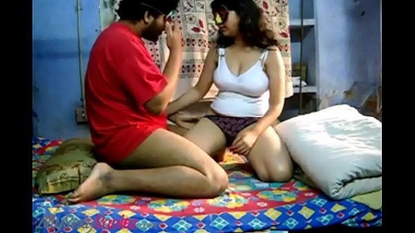 Savita Bhabhi Indian Amateur Shows Her Nice Wan...