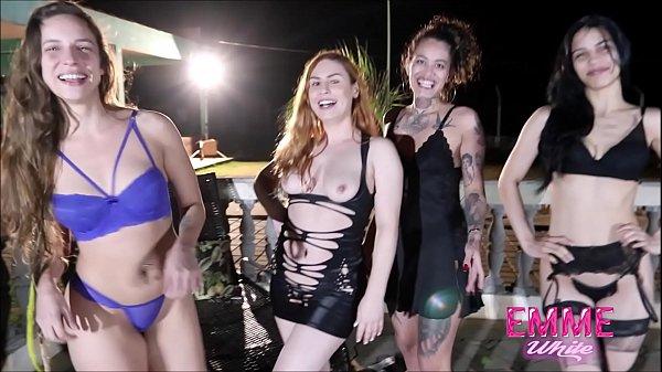 Primeira Suruba Lesbo da Anshell Bi com Venusss Model, Nina Forbidden e Emme White Thumb