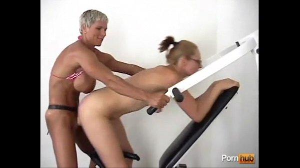 Muscular mature bitch hard strapon fuck her friend