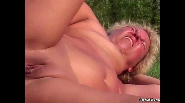 Ficken anal MUTTER HILFT