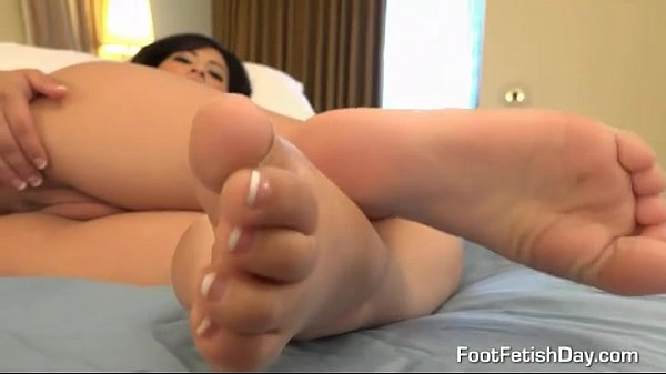 Great view to feet and pussy  thumbnail
