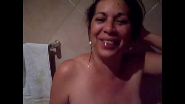 en la taza del baño