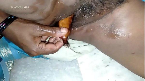 बड़ी चूच वाली दीपी का हस्तमैथुन