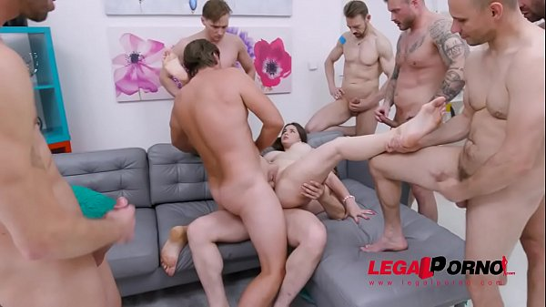 Taylee Wood assfucked by 1, 2, 3, 4 guys and th...