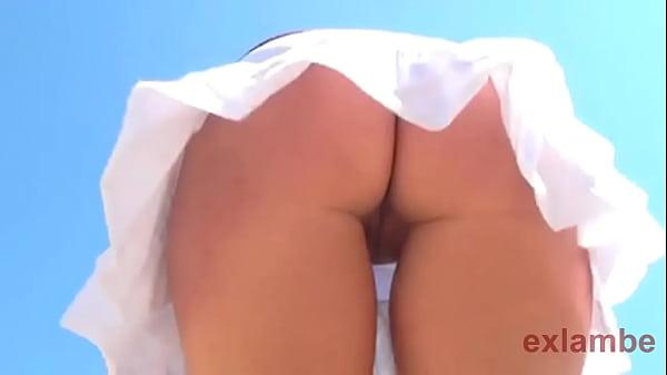 Wahite Skirt No panty upskirt