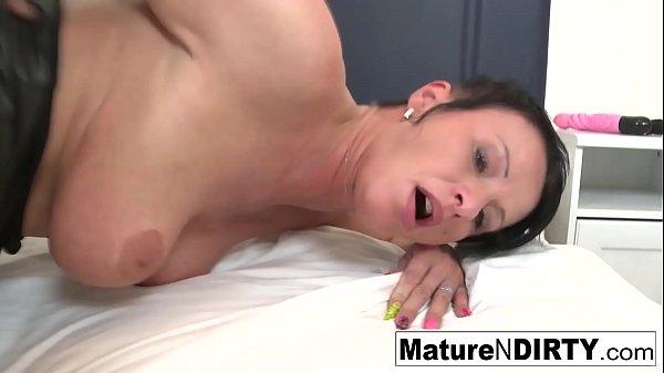 Brunette mature's ass is so tight he cums inside her Thumb
