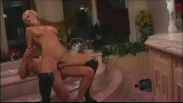 Guy eats pussy and plows gorgeous babe in boots in his house