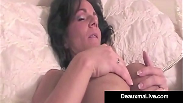 Super Hot Mommy Deauxma Shows Us One of Her Hot First Films