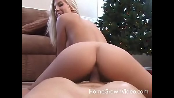 Gorgeous busty blonde in homemade video with boyfriend