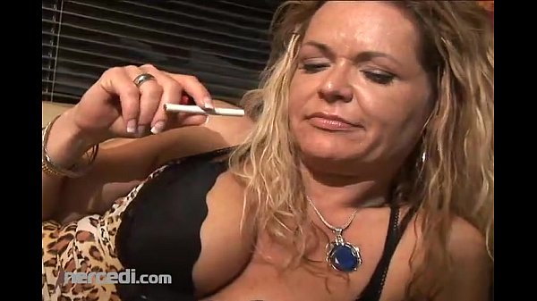 Mature Kelly Leigh Shows Off Her Feet And Toes, Exclusive Fetish Mature MILF Thumb