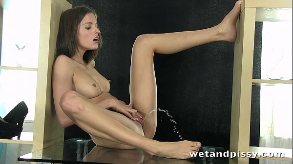 Stunning Czech Silvia Luca squirts Thumb