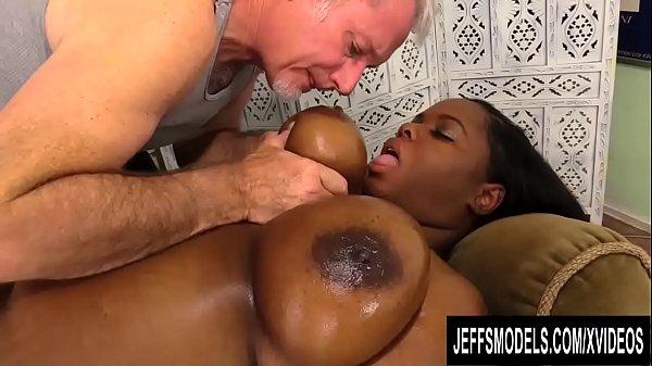 Black Plumper Olivia Leigh Lets a Masseur Worsh...