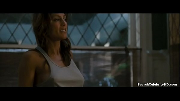 Jennifer Esposito in Crash 2004