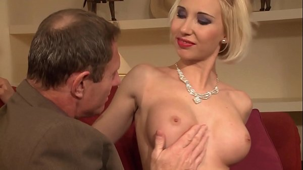 An old pervert receives a superb whore and expands her pussy and asshole. Thumb
