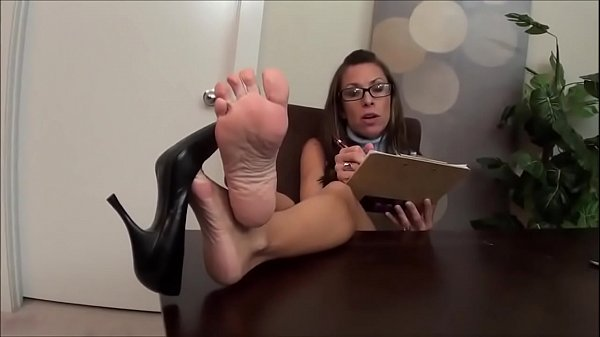 Psychiatrist Feet in Therapy Session Part 1- www.prettyfeetvideo.com Thumb