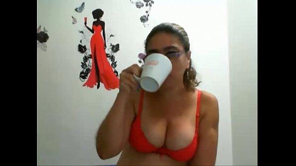 Colombian mature masturbates on cam