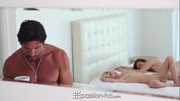 Passion-HD - Lesbians Teens Sammie Daniels and Naveen Ora in threesome Thumb
