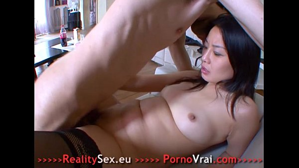 Asian girl for first orgasm! Son premier porno ...