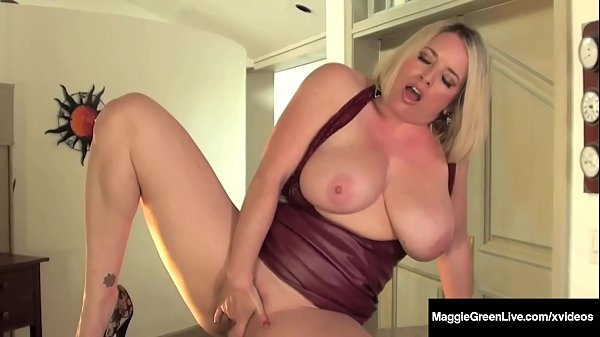 Well Rounded Milf Maggie Green Fingers Her Plump Pussy