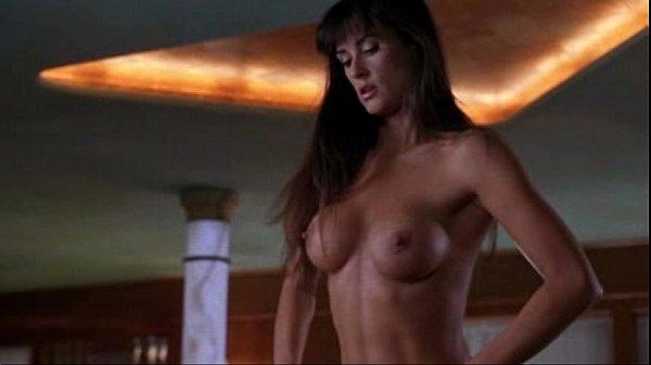 nude hips