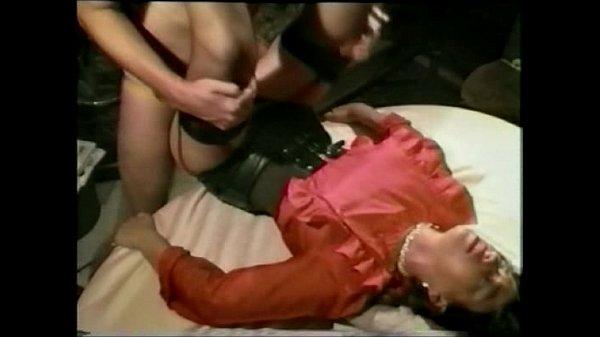 Sperm-Gabi, ex-girlfriend of my husband: The work as sex-therapist is very stressful