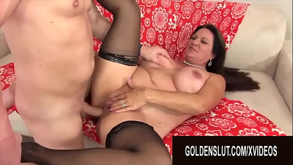 Golden Slut - One Night Stands With Mature Slags Compilation
