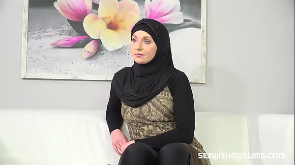 Muslim woman wants photos from a horny photographer Thumb