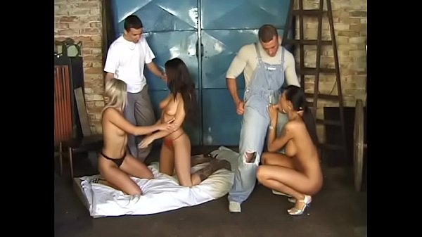 Owner of auto repair shop invited three wanton girls Niki Montana, Simony Diamond and Black Diamond to make discretionary bonuses to his best car mechanics for coming in full Thumb