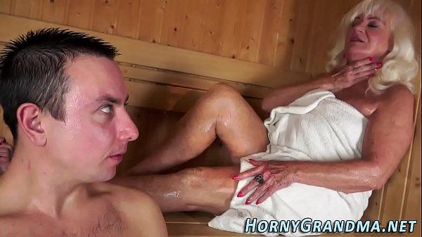 Jizz mouthed granny sauna Thumb