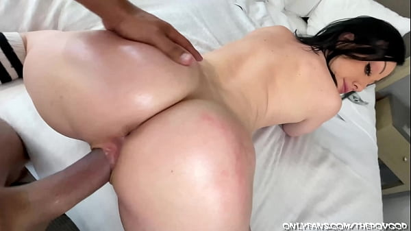 big booty milf jeniffer white gets oiled and fucked