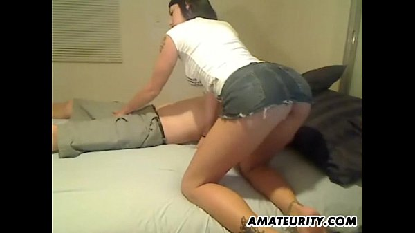 Amateur girlfriend sucks and fucks with creampie