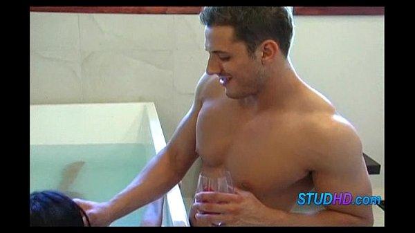 Hot babe fucks stud 0564