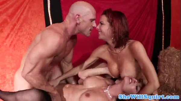threesome with squirting sluts