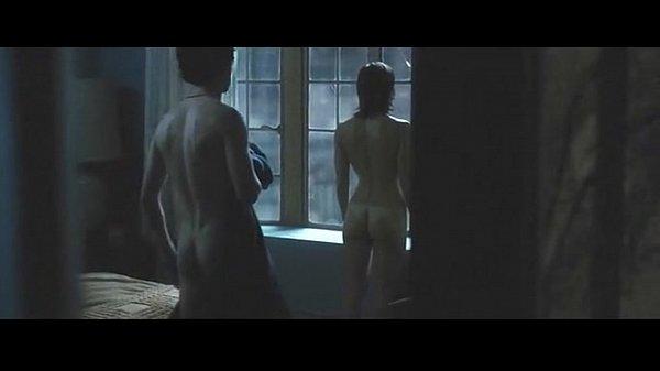 Does jessica biel get naked in powder blue