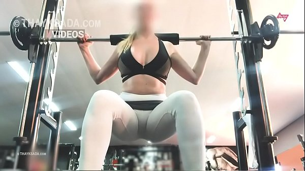 no panties at the gym, hotwife Cameltoe
