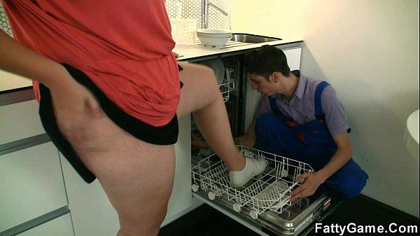 Naughty BBW seduces a repairman Thumb