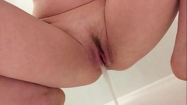 Gracies close up shower piss