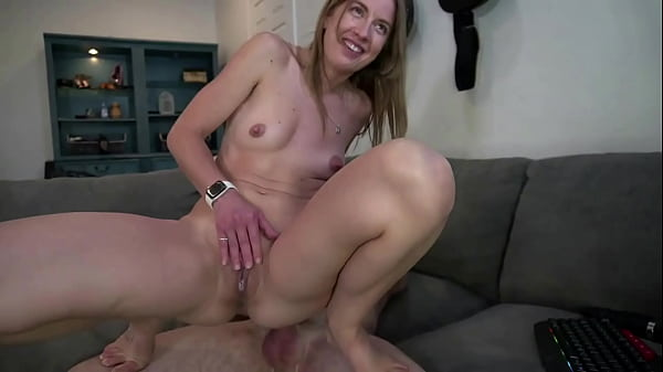 Hot couple has sex, horny girl gets sperm in pussy