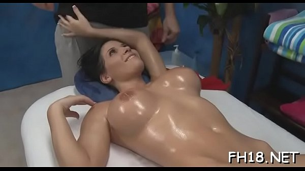 Very sexy 18 year old gorgeous gets screwed har...
