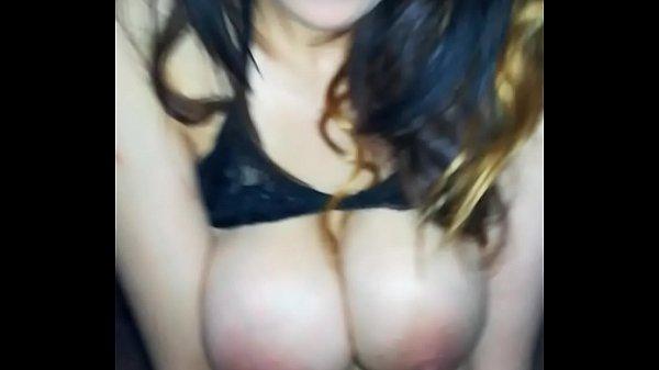 Neyla Kimy beurette enorme seins adore baiser  thumbnail