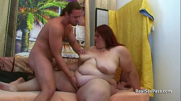 Fat redheads stomach and boobs hang like udders Thumb