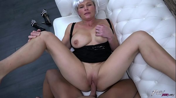 Busty milf with fake hair eat all strangers cum...