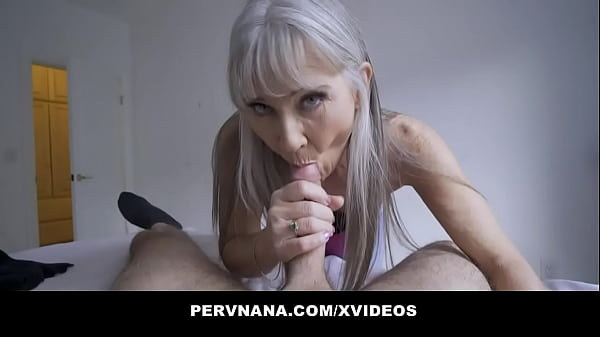 Perv Granny Leilani Lei Gives A Surprising Reward Thumb