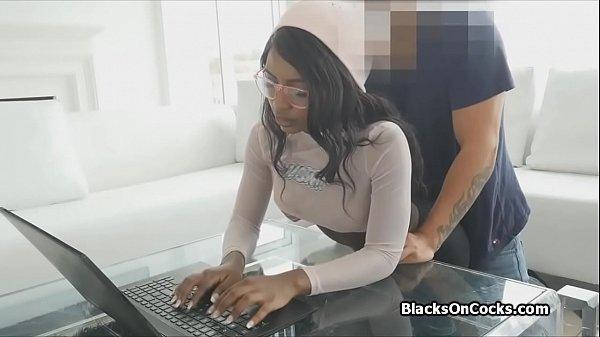 Ebony gfs study break blowjob