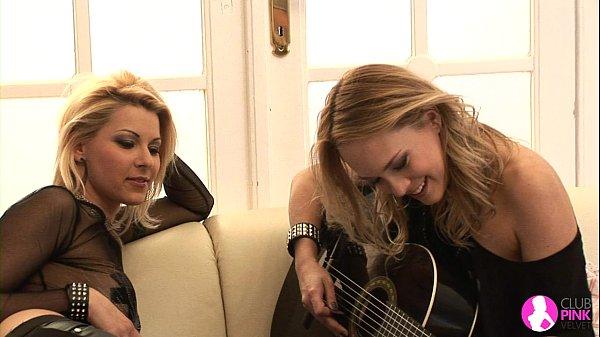 Viv Thomas Lesbian HD - Rock Chicks