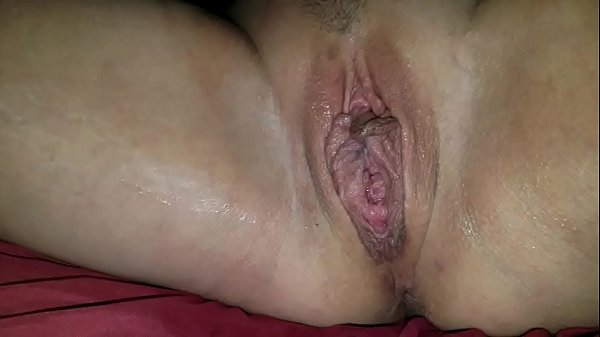 Close up pussy fisting